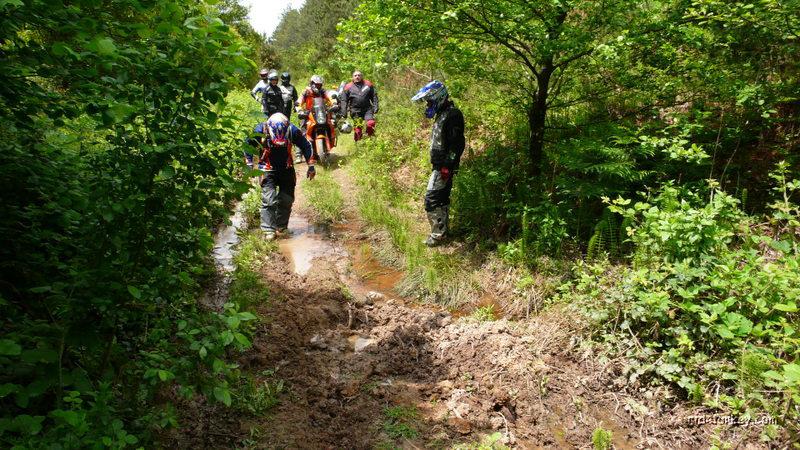 AMHO - Agir Motosikletlerle Hafif Offroad etkinligi